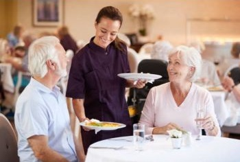 Dining and Food at Assisted Living Facilities