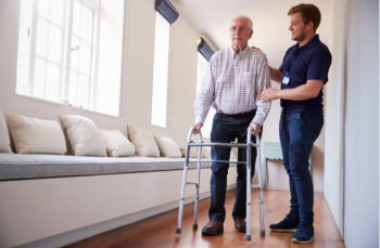 How to Identify Whether Assisted Living or Memory Care is Better for Your Specific Needs